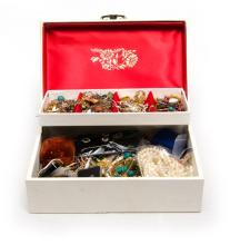 Qty of Costume Jewellery & Jewel Case.  Fitted jewel case with extensive collection of costume jewellery.