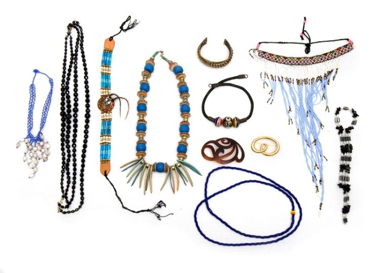 Qty Costume Jewellery Items.  Incl. necklaces etc.