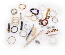 Qty Costume Jewellery Bracelets etc.  Total approx. 30+ pieces.