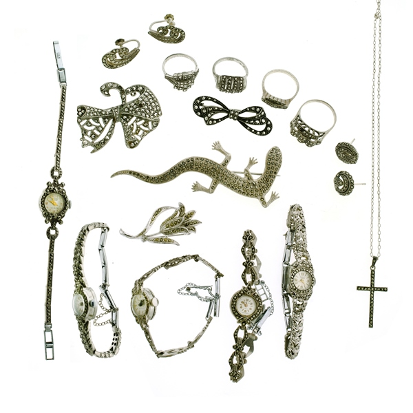 18 Var Items Marcasite Jewellery.  Incl. 5 ladies watches (all as inspected); 4 various brooches (3 silver, 1 plated); 4 rings; 2 pr's earrings; & chain link necklace & cross etc.