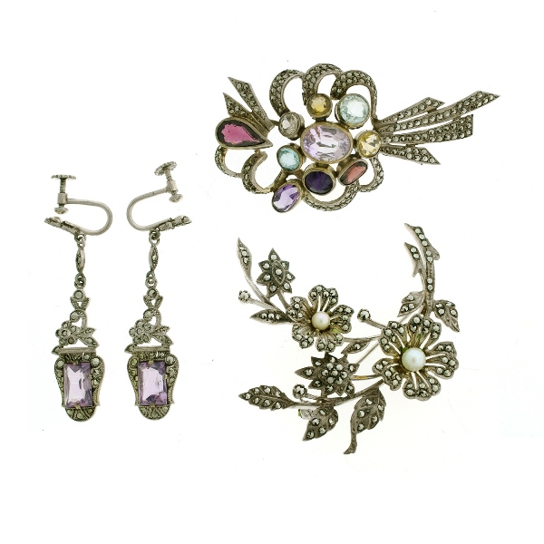 4 Pces Silver Marcasite & Stone Set Jewellery. Incl. brooch, set with amethyst, citrine, & garnet etc; pr similar amethyst set earrings; & marcasite flower form brooch.