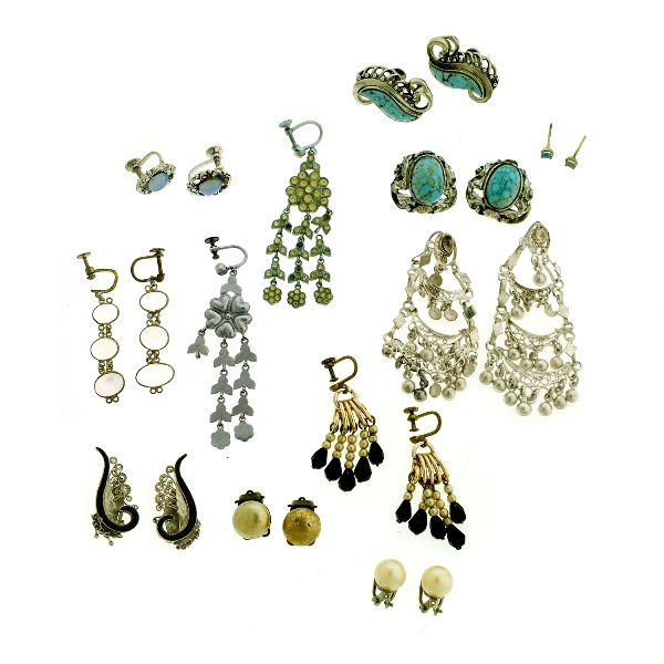 10 Var Pr's Costume Jewellery Earrings. Most stone set in silver.