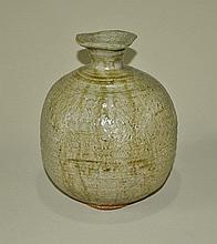 RUSHFORTH, Peter (1920-2015) - Stoneware Blossom Vase. Ribbed body of pa