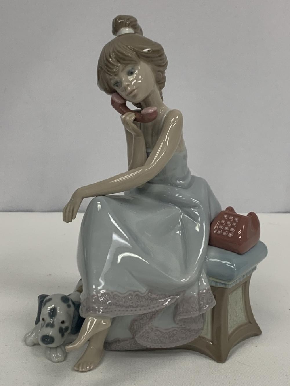 LLADRO FIGURE GIRL TELEPHONE