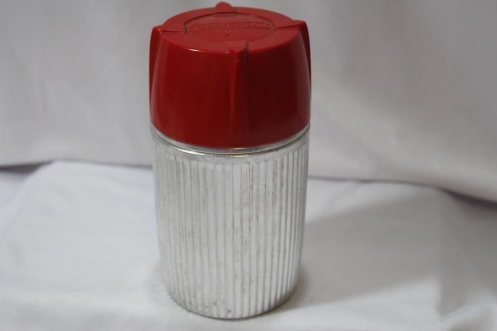 A Universal Thermos