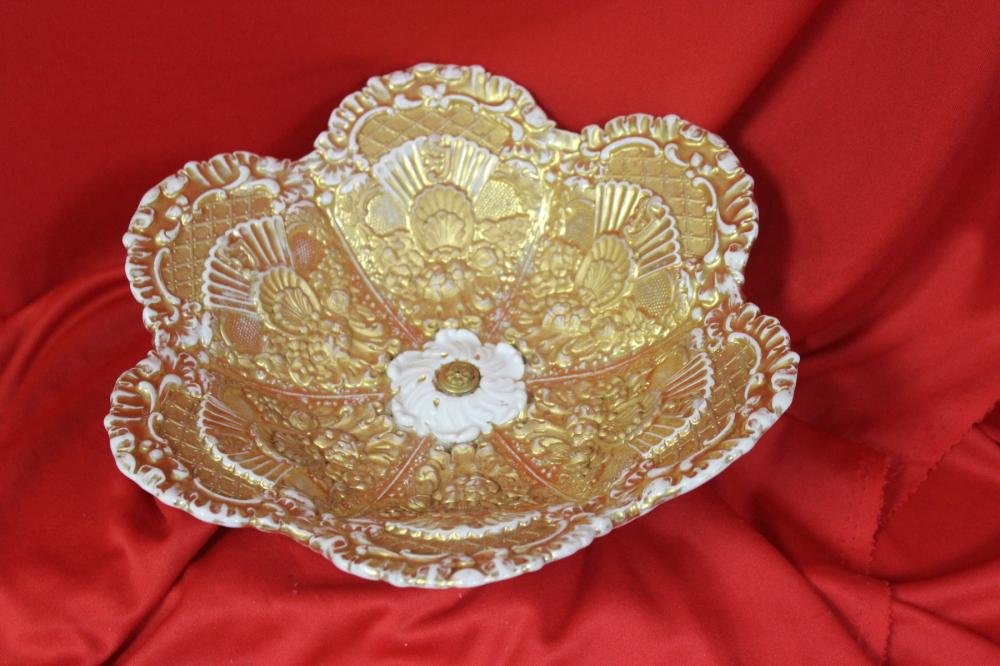 A Meissen Gold Gilted Foot Foliated Plate
