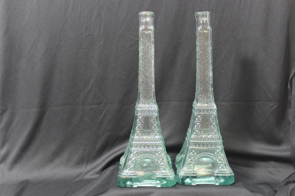 A Pair of Eiffel Tower Bottle