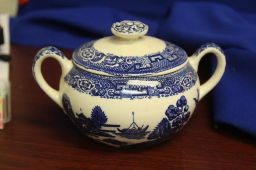 An Antique Blue Willow Sugar Container