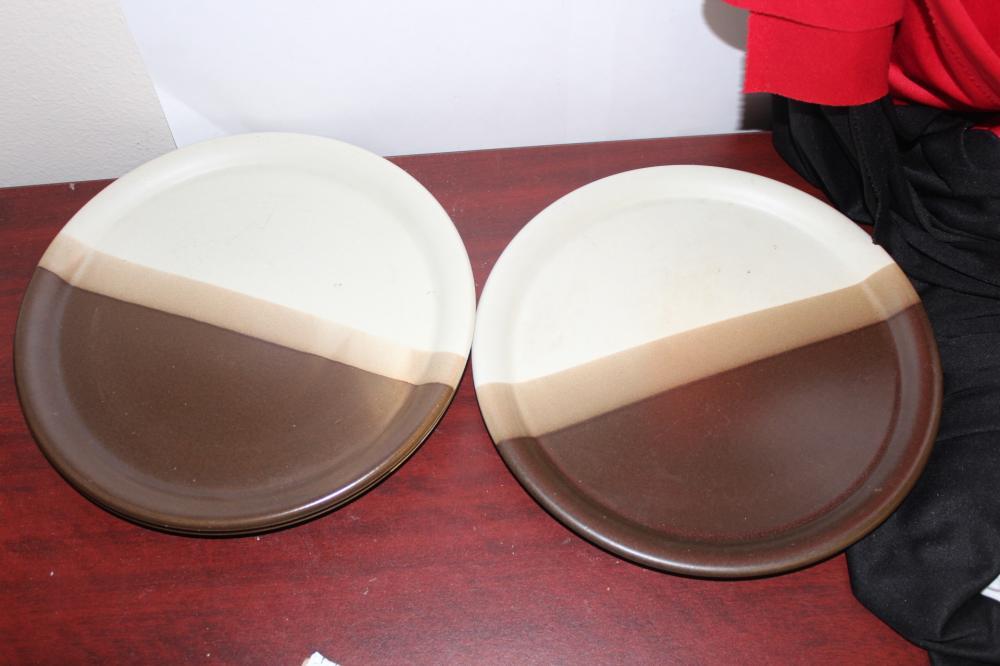 Set of 3 McCoy Dinner Plates