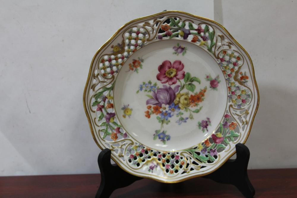 A Schumann Bavaria German Plate