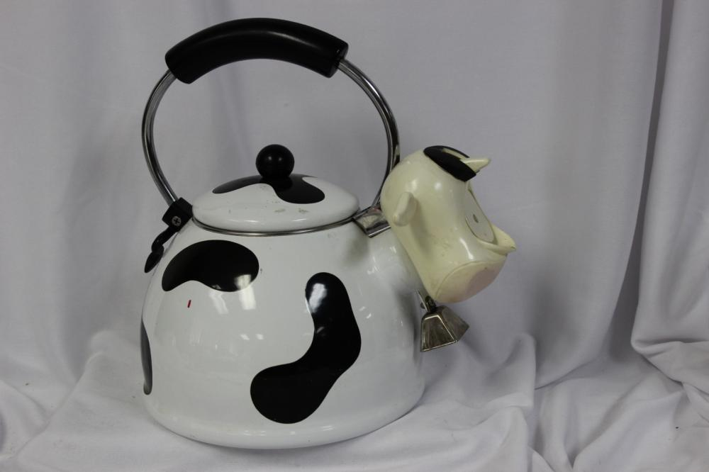 A Cow Form Kettle