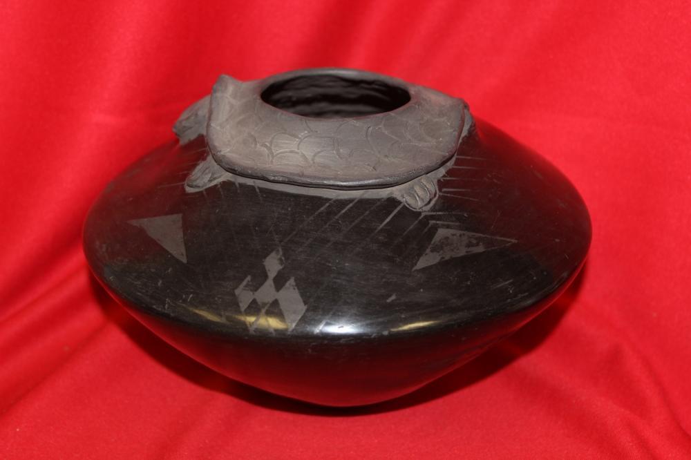 A Vintage Talavera Mexican Pottery