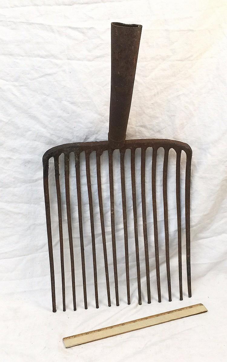 Forked shovel pitchfork antique iron for Pitchfork tool for sale
