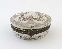 An 18thC Serves circular hinge lidded box with