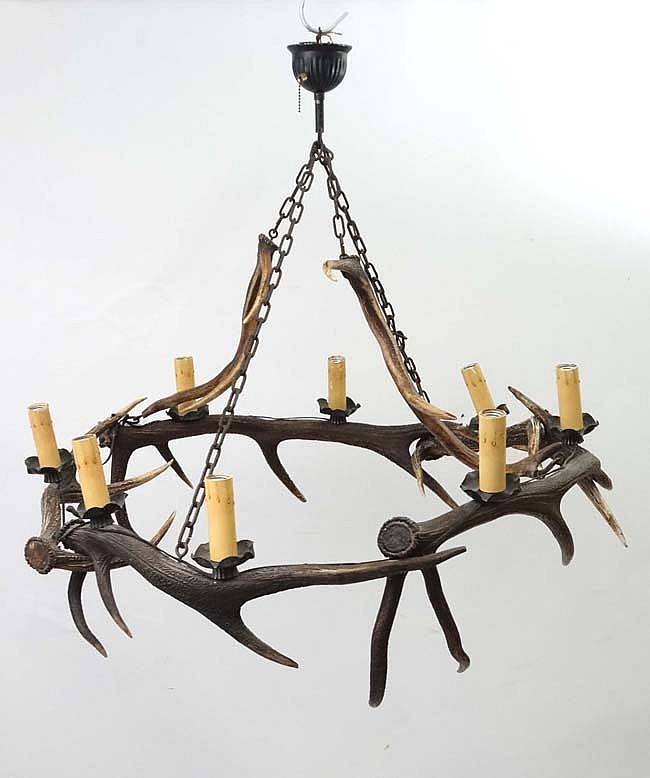 Taxidermy : An impressive Red Deer antler pendant Chandelier