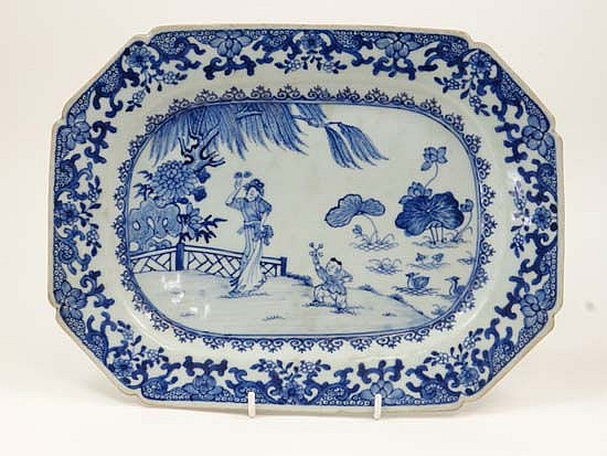A 19thC Chinese blue and white plate depicting
