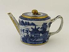 A 19th Century Chinese export blue and white
