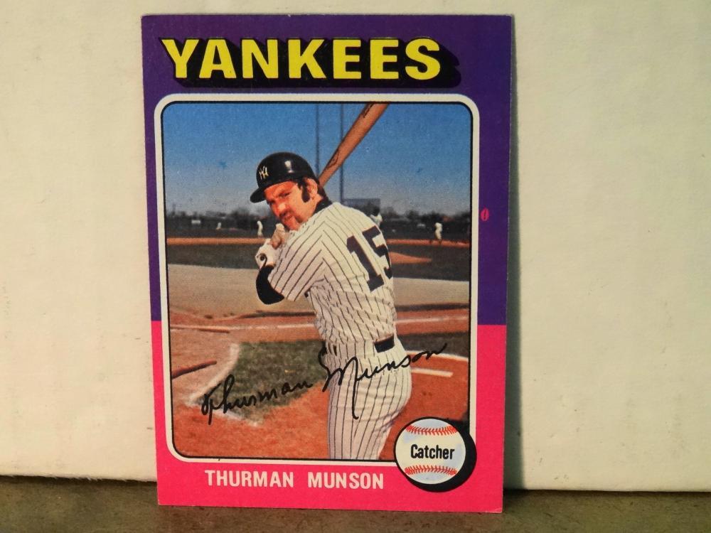 1975 TOPPS NO. 20 THURMAN MUNSON BASEBALL CARD