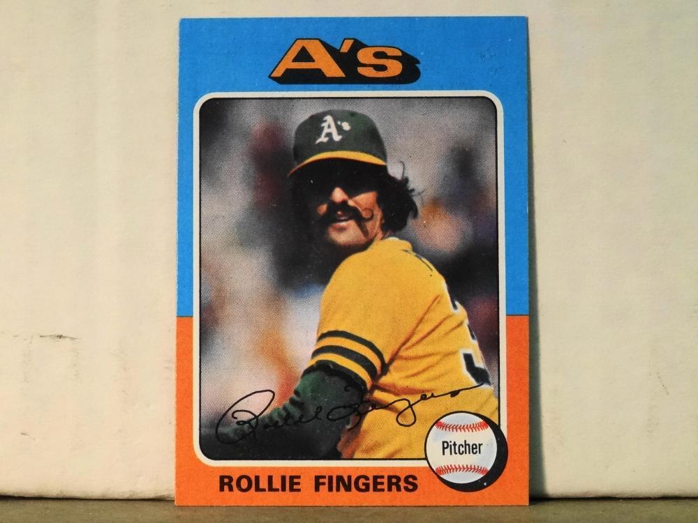 1975 TOPPS NO.21 ROLLIE FINGERS BASEBALL CARD