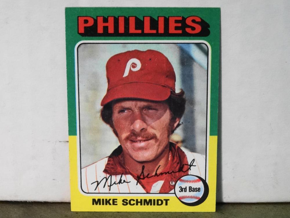 1975 TOPPS NO. 70 MIKE SCHMIDT BASEBALL CARD