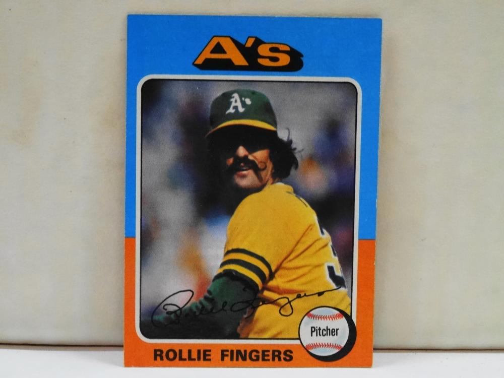 1975 TOPPS NO. 321 ROLAND FINGERS BASEBALL CARD