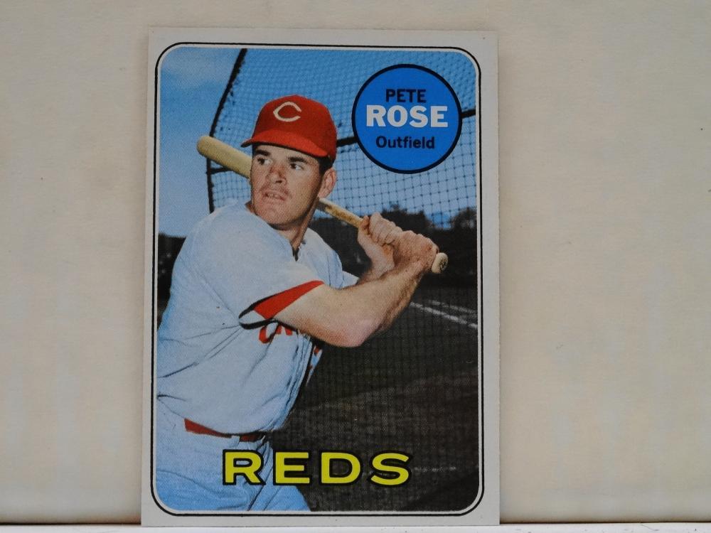1969 TOPPS NO. 120 PETE ROSE BASEBALL CARD
