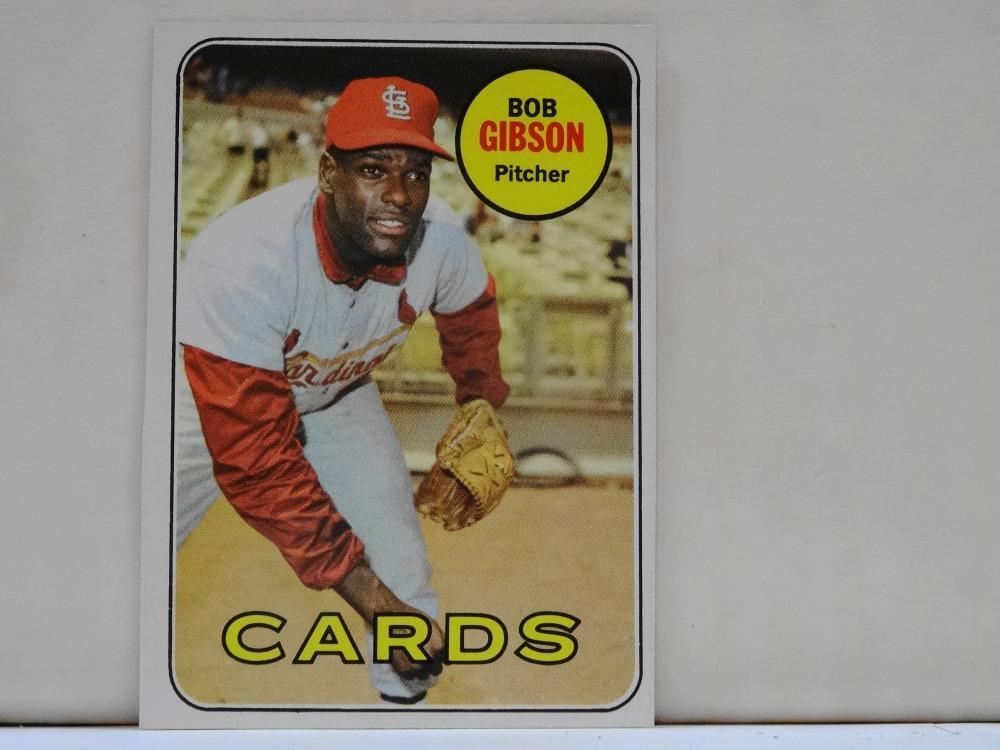 1969 TOPPS NO. 200 BOB GIBSON BASEBALL CARD