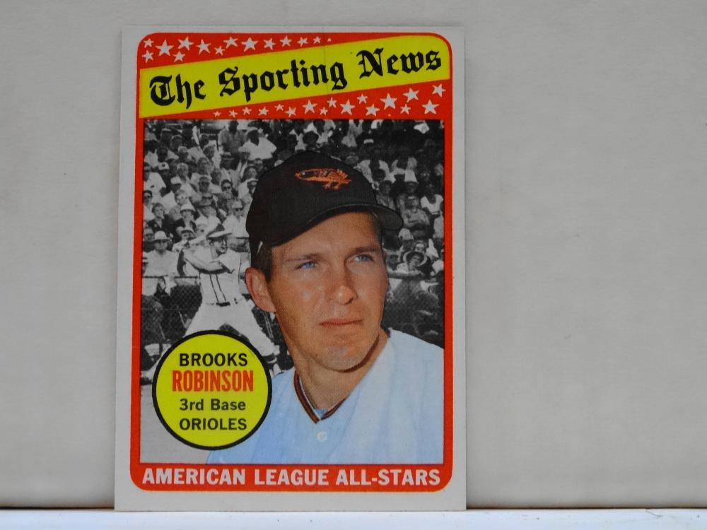 1969 TOPPS NO. 421 BROOKS ROBINSON THE SPORTING NEWS BASEBALL CARD