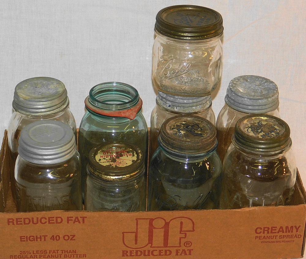 BOX LOT OF MASON JARS