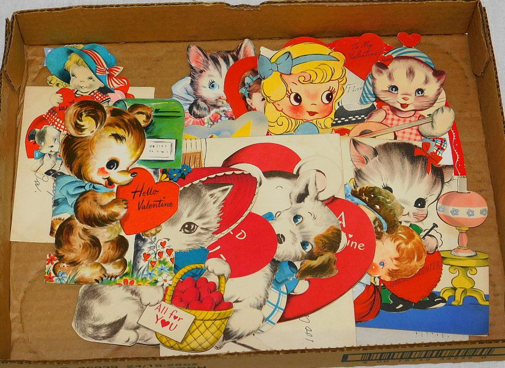 TRAY LOT OF VINTAGE 1940'S/1950'S VALENTINE CARDS