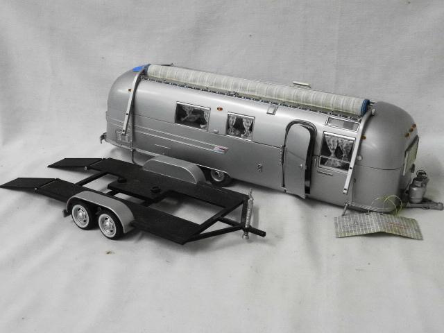 FRANKLIN MINT DIECAST AIRSTREAM TRAILER AND CAR TRAILER