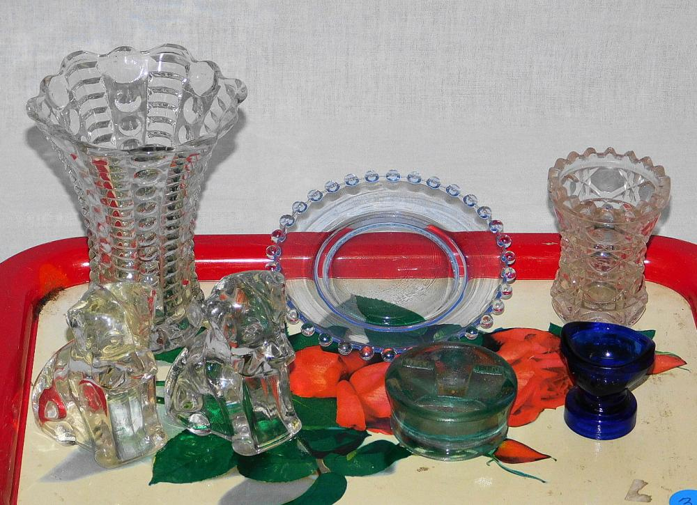 TRAY LOT OF VINTAGE GLASSWARE