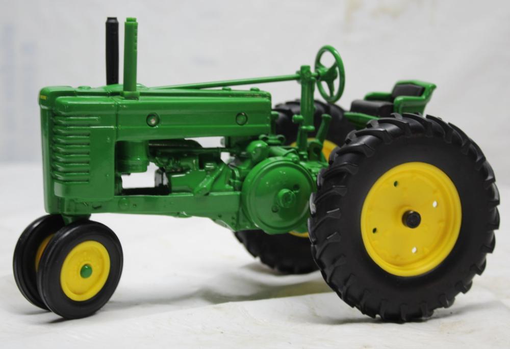 1/16 Scale John Deere G Tractor