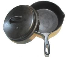 Lot 157: #8 Iron Mountain Chicken Fryer with Lid