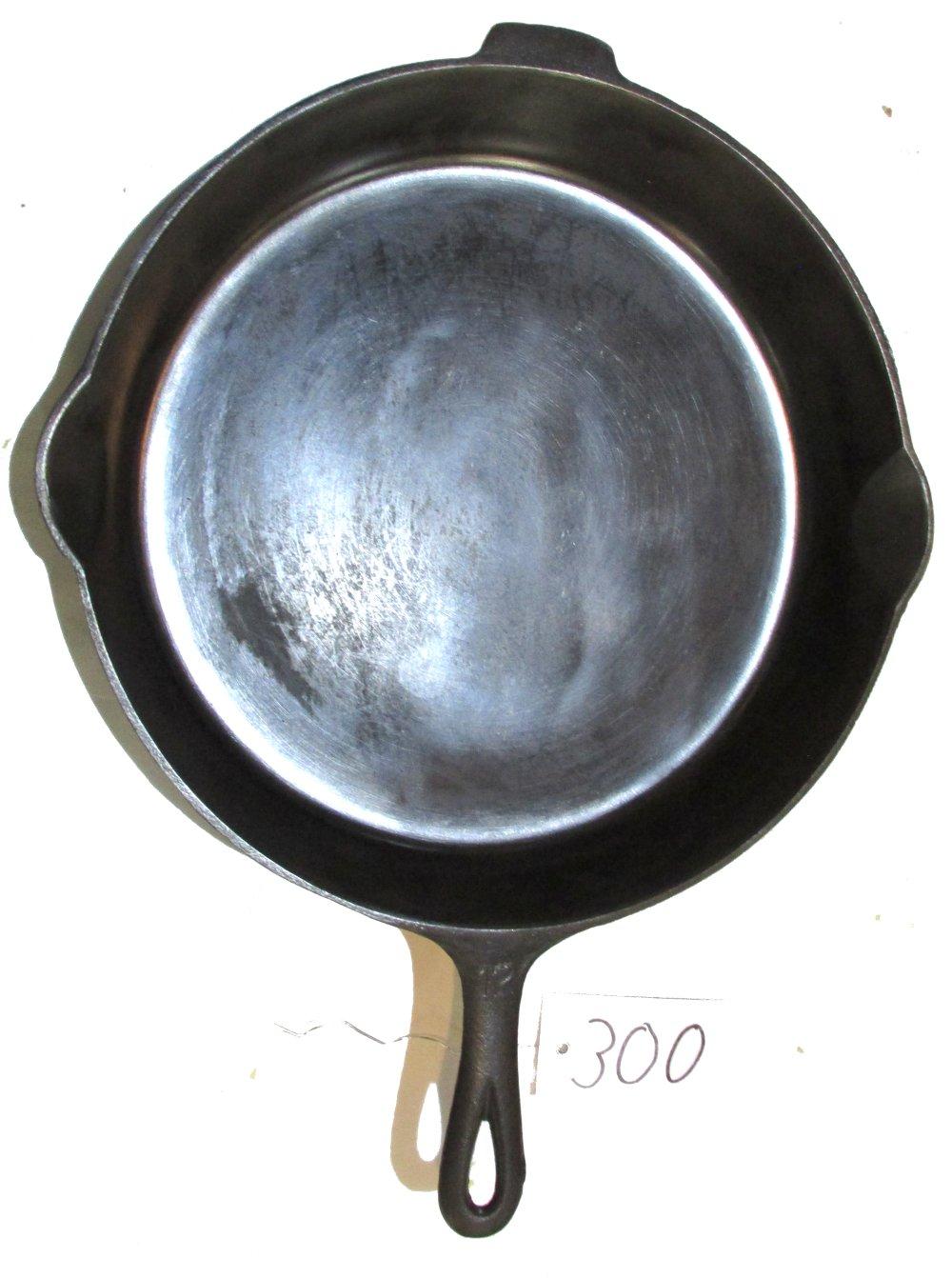 Lot 300: #12 Griswold EPU LBL Skillet
