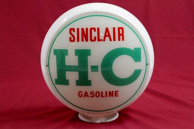 Sinclair HC Has Pump Globe On Wide Glass Body