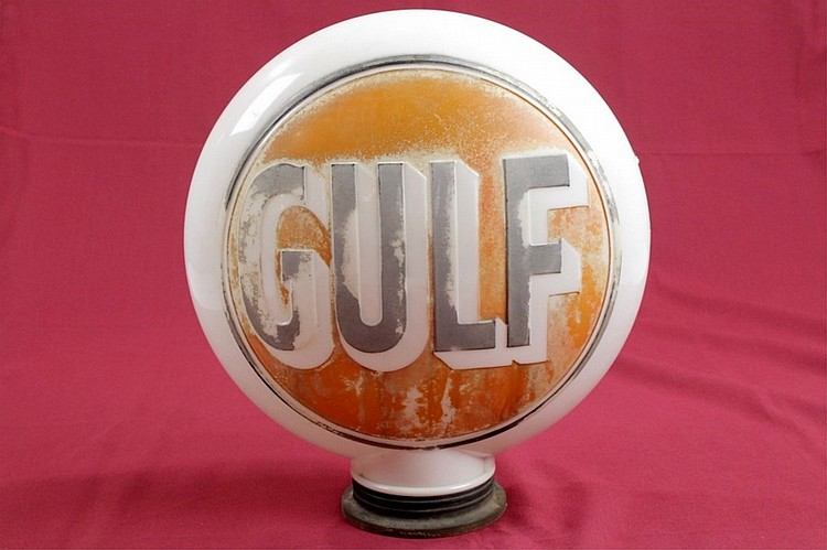 Early Gulf One Piece Embossed Gas Globe