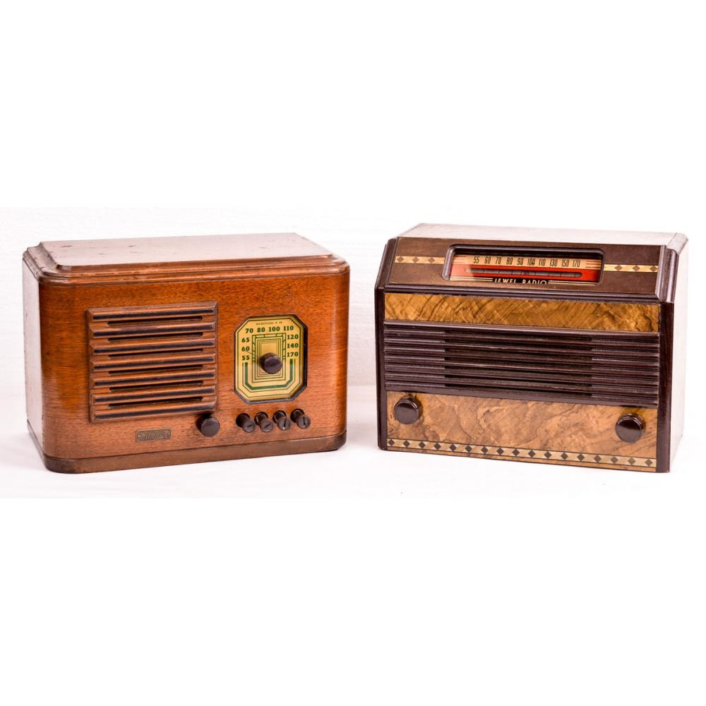 Lot of 2 Table Radios