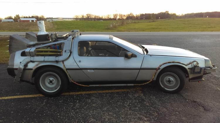 delorean time machine car