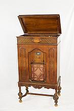 Edison Radio & Phonograph Upright Model R7