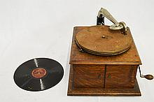 Victor Talking Machine Tabletop Style VV-IV