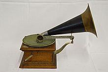 Talk-O-Phone Front Mount Tabletop Disc Phonograph