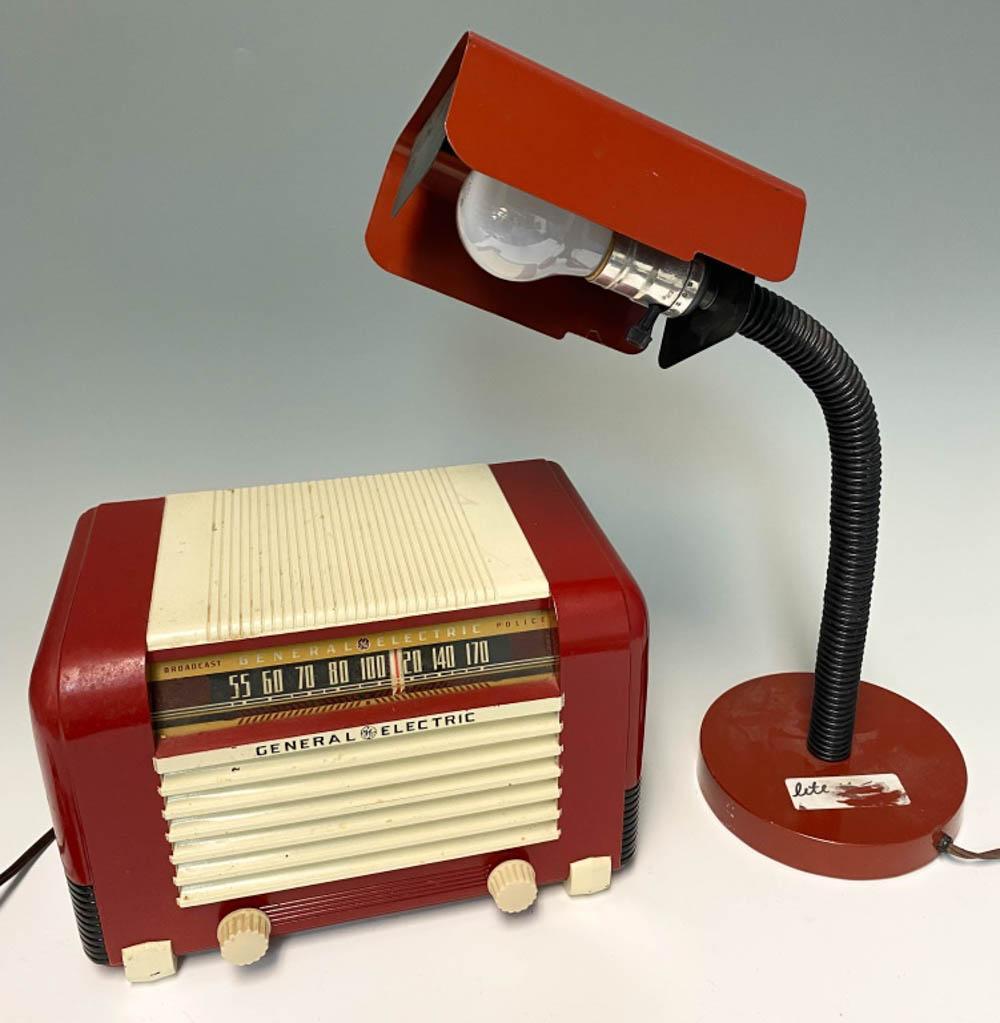 Vintage Radio and Lamp