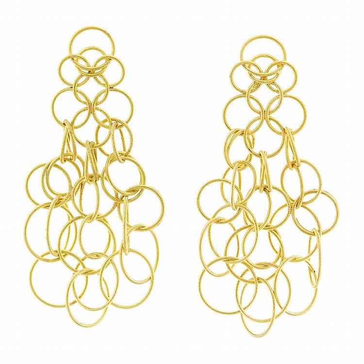 Pair of Gold ''Hawaii'' Pendant-Earrings, Buccellati