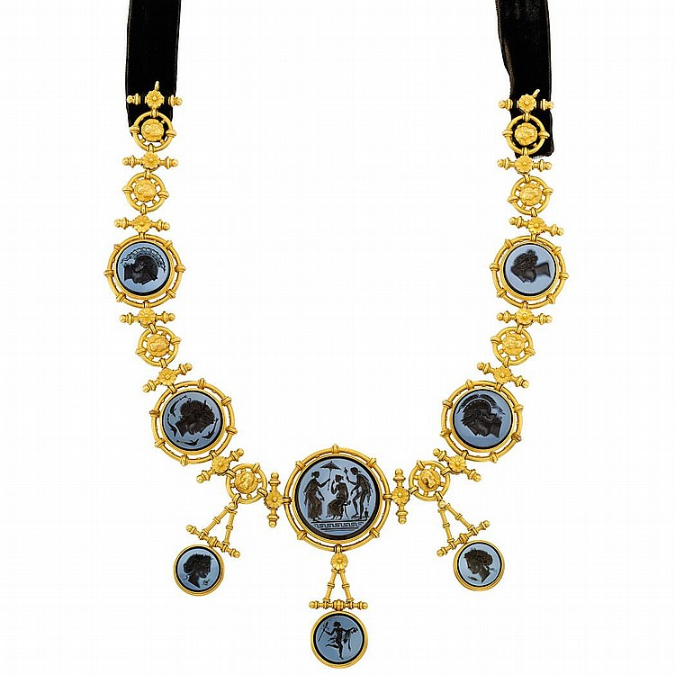 Archaeological Revival Gold and Intaglio Necklace, Attributed to Ernesto Pierret