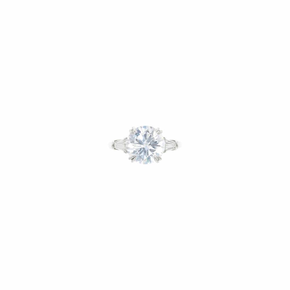 Harry Winston Platinum and Diamond Ring