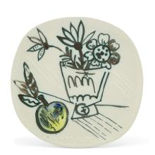 Pablo Picasso BOUQUET Á LA POMME Painted and partially glazed white ceramic plate
