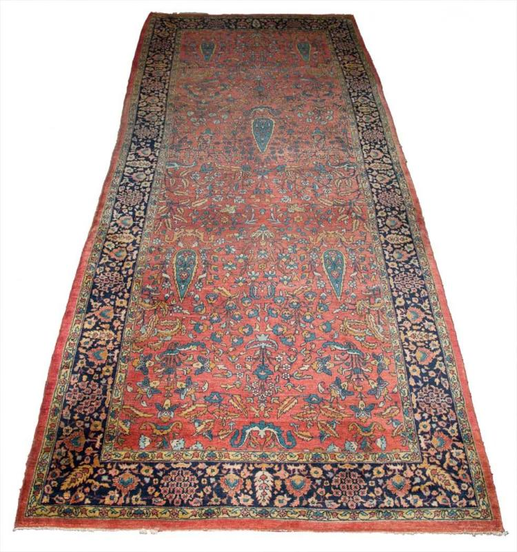 Sarouk Gallery Carpet