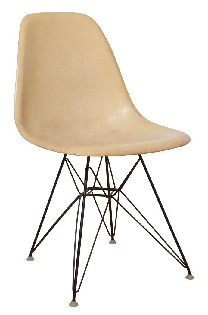 Eames Molded Plastic Chair With Wire Base
