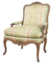 Louis XV Beechwood Fauteuil à la Reine